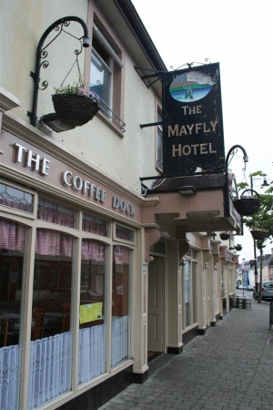 Mayfly Hotel am River Moy in Foxford