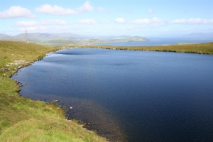 Blick vom Lough Mount Eagle auf die Ventry Bay